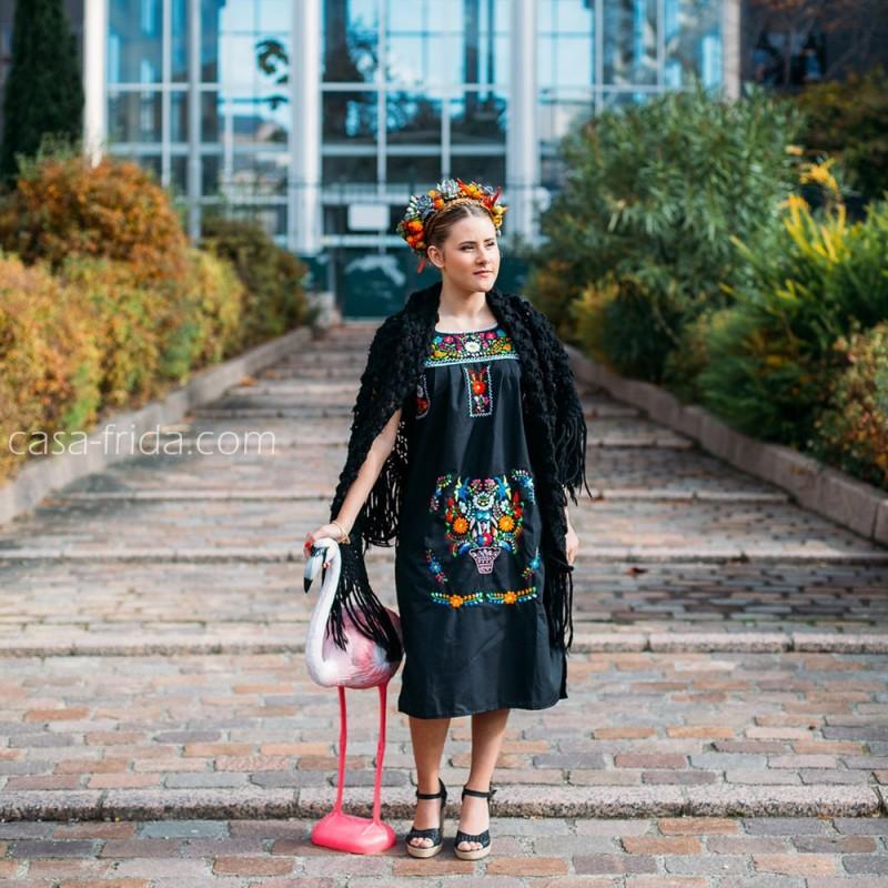 fa43109b14 Vestido mexicano negro · Vestido mexicano negro · Vestido mexicano negro