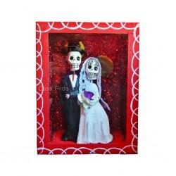 Boîte vitrine Los novios - Rouge - Diorama jeunes mariés - Casa Frida