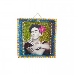 Frida black and white Mini shrine