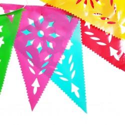 Bandera plástico picado triangular