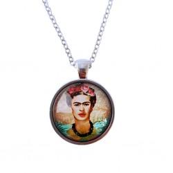 Collar Frida con collar de perlas