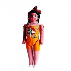 Muñeca naranja de papier maché